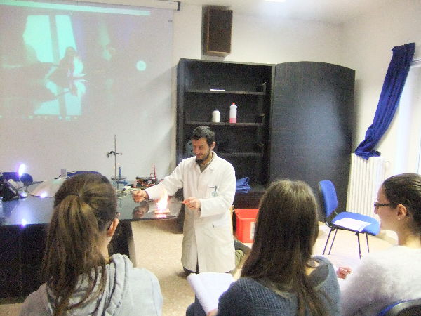 Playing with chemistry and physics (1)